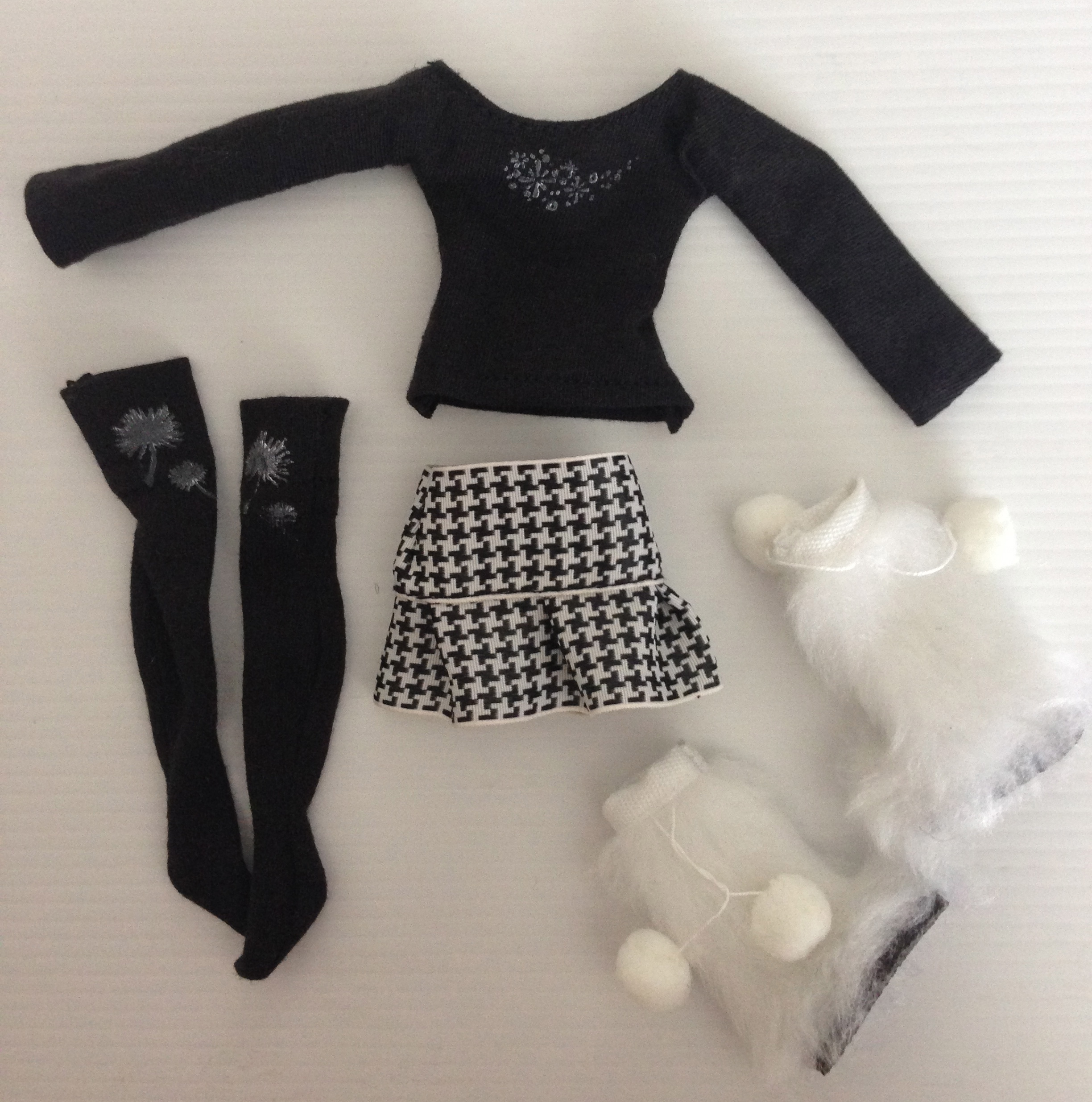 Pullip Outift including boots: $15USD - SOLD